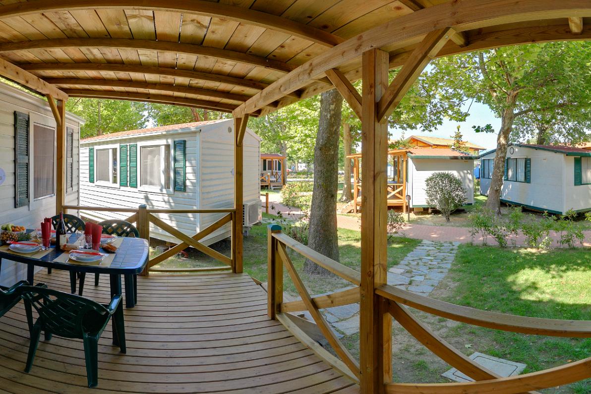 Mobilheim Kaufen Lago Maggiore : Camping village lago maggiore pincamp by adac