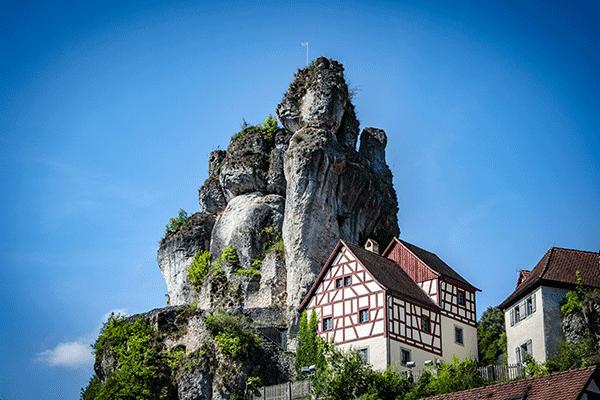 berglandschaft-fraenksicheschweiz.png