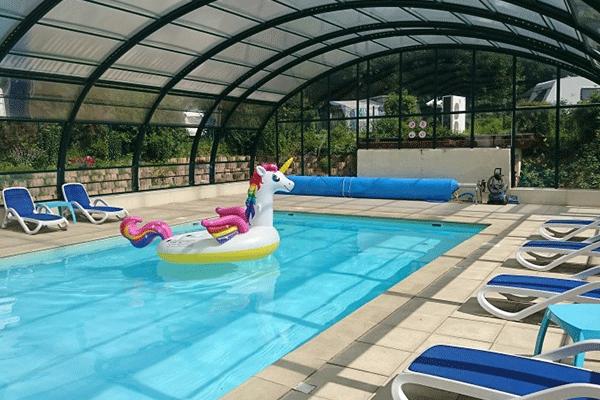 WiCa_Frankreich_0002_Camping-L-Eden-de-la-Vanoise----Indoor-Pool-vom-Campingplatz.png