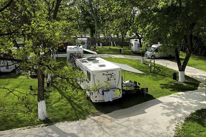 ungarn-goldenes-dreieck-arena-camping-budapest