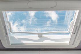 Dachluke im Wohnmobil: Dachfenster nachrüsten und selbst einbauen