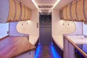 BMC baut exklusives Wohnmobil aus NEOPLAN Tourliner Reisebus