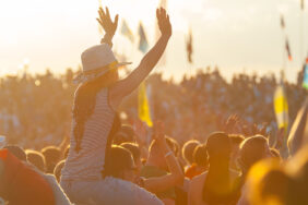 Festival-Camping: Die besten Locations und 5 Überlebens-Tipps