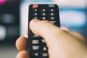 Camping-TV: Der ultimative Ratgeber für Fernsehen im Wohnwagen