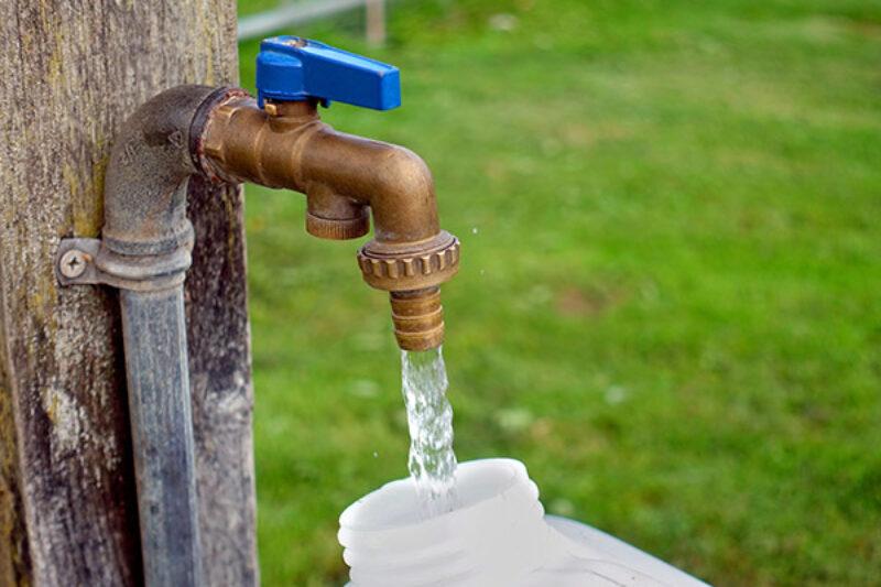 Wasserstation auf einem Campingplatz