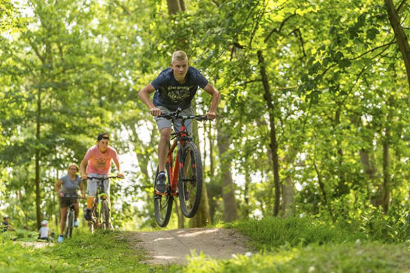 Offroad Fahrradstecke auf dem Campingplatz