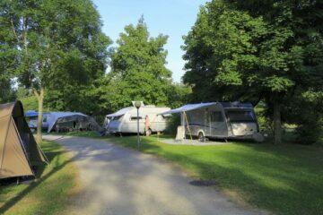 Straße auf dem Campingplatz Aktiv Camping Purgstall