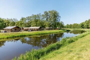 Fluss im Vakantiepark Twee Bruggen.