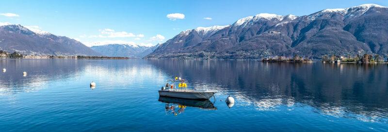 Motorboot auf dem Lago Maggiore