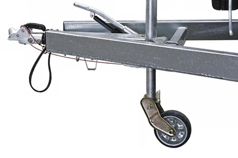 Kleines Stützrad an einer Anhängerdeichsel
