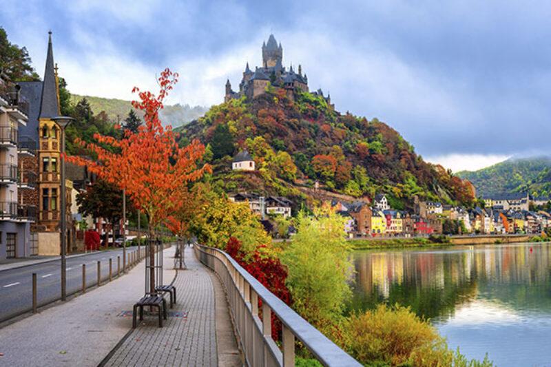 Stadt Cochem im Herbst
