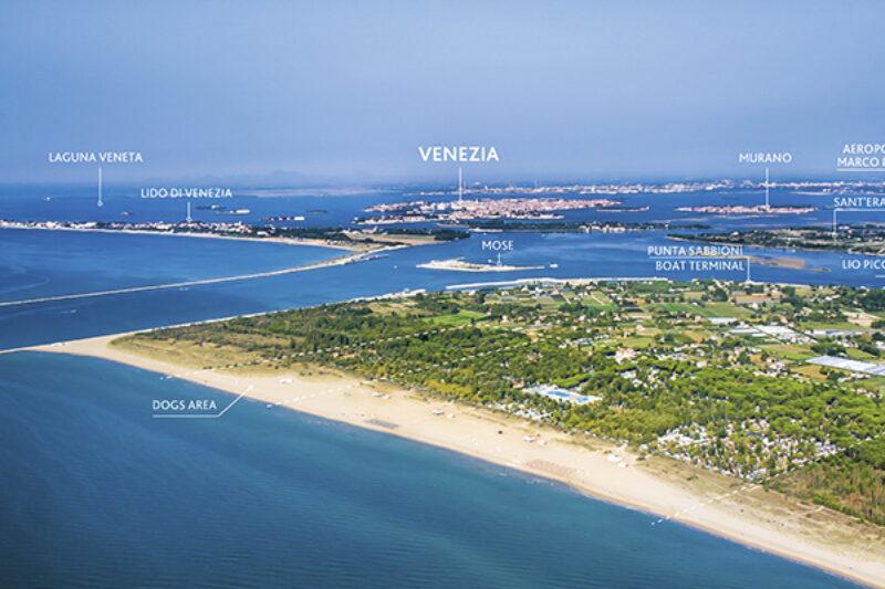 Blick auf den Campingplatz und Venedig