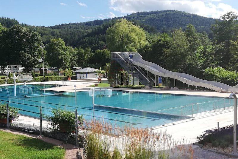 Freibad der Gemeinde Seelbach in der Nähe vom Ferienparadies Schwarzwälder Hof