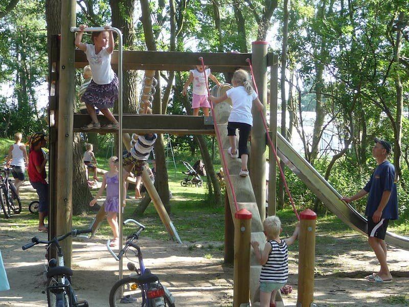 Kinderspielplatz beim Rosenfelder Strand Ostsee Camping