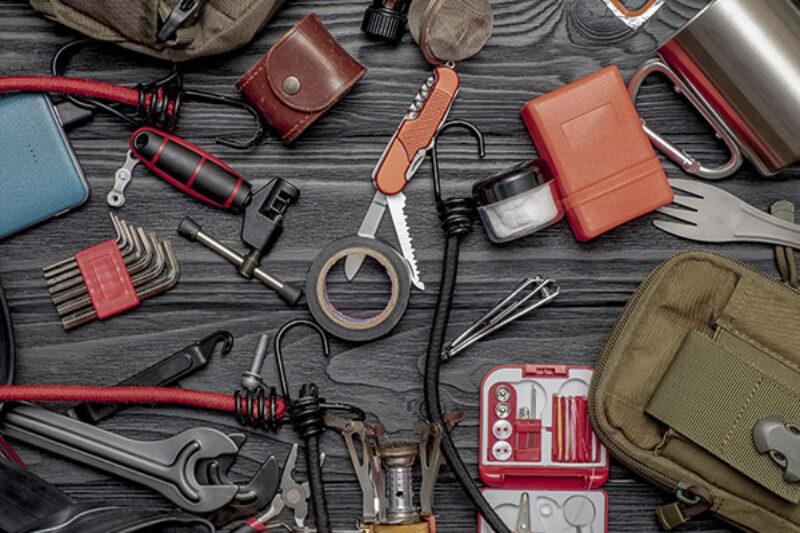 Werkzeug für einen Campingtrip