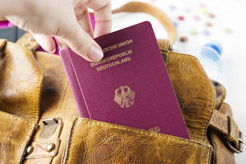 Reisepass in einer Tasche