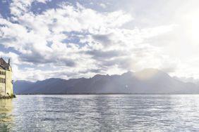 Einmal um den Genfer See: Klares Wasser und hohe Berge