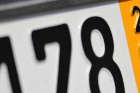 Kurzzeitkennzeichen beantragen: Kosten, Gesetze & mehr