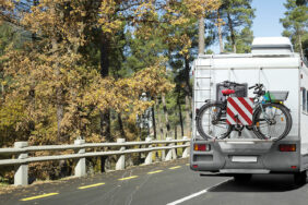 StVO & Co.: Gesetze für Wohnwagen und Wohnmobil