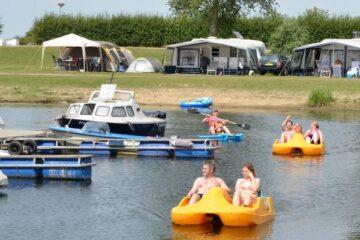 Tretboote bei Camping IJsselstrand