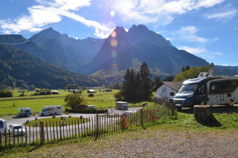 Blick auf das Camping Resort Zugspitze