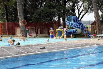 Poolbereich mit Kinderbecken