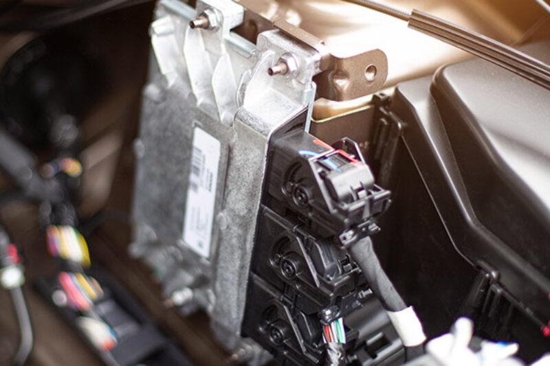 Tuningbox am Motor