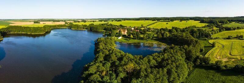 Luftblick ueber die mecklenburgische Seenplatte