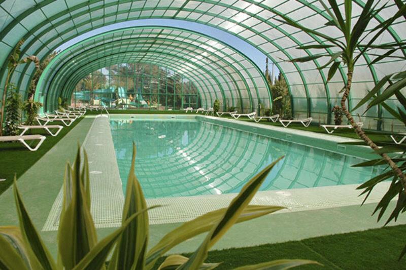 Indoor Schwimbad des Campingplatzes