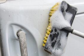 Caravan-Reiniger: Spezialreiniger oder Hausmittel als perfekte Saubermacher?