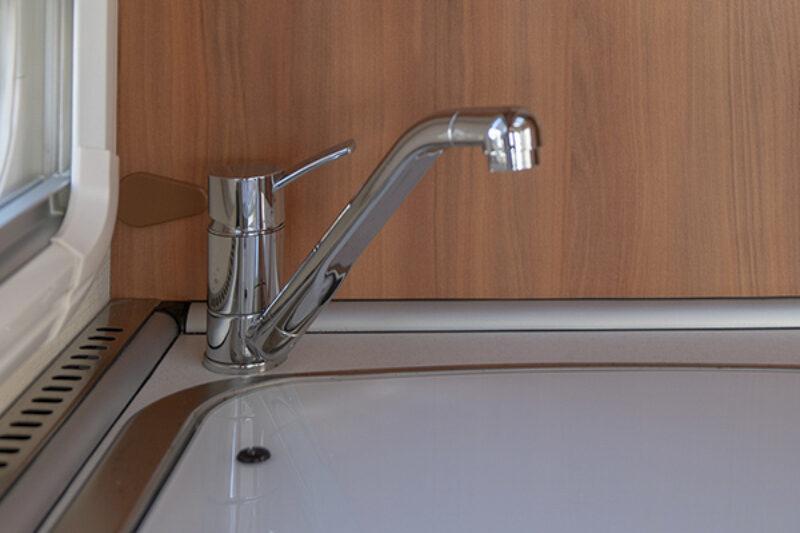 Klassischer Wasserhahn im Wohnmobil