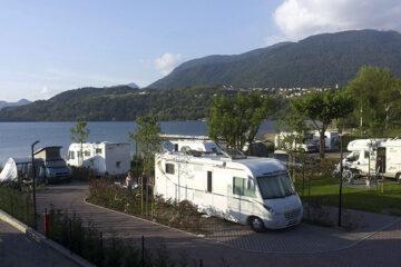 Camping Punta Lago