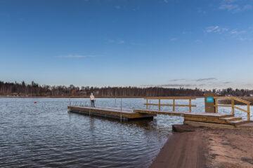 Bootsanleger und Badeplattform auf Rastila Camping Helsinki