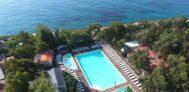 Blick auf das Freibad am Campinglatz Villaggio dei Fiori
