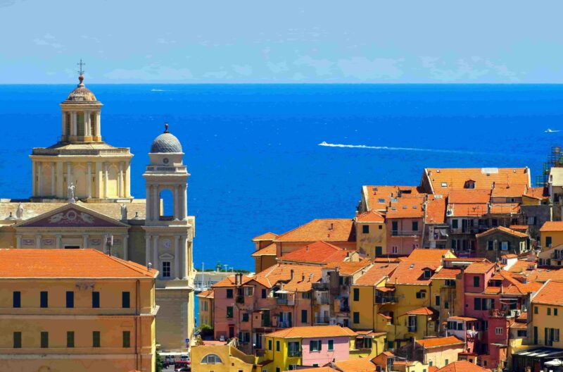Elegante Strandoase in der Provinz Imperia, Ligurien