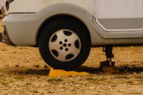 Auffahrkeile für Wohnmobile: Nivellierhilfen für den optimalen Stand