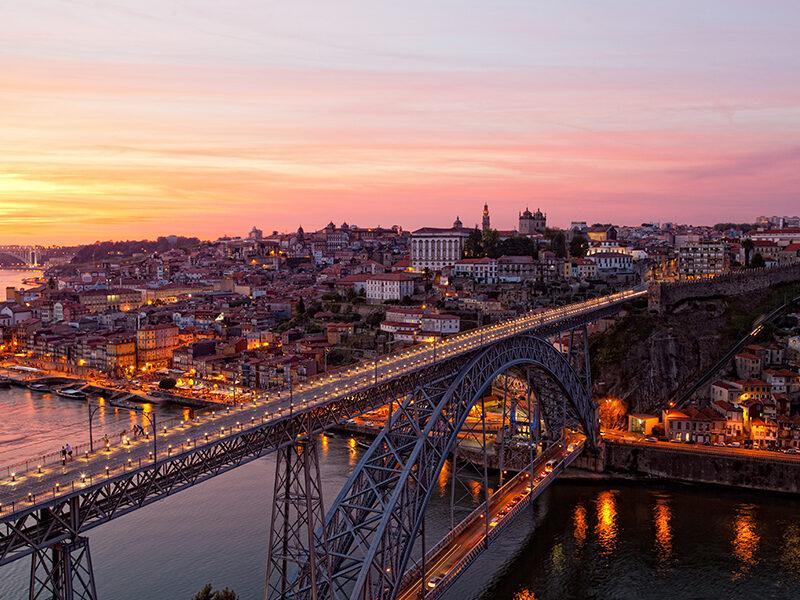 "Brücke ""Ponte Luís I"" über den Fluss Douro und Porto"