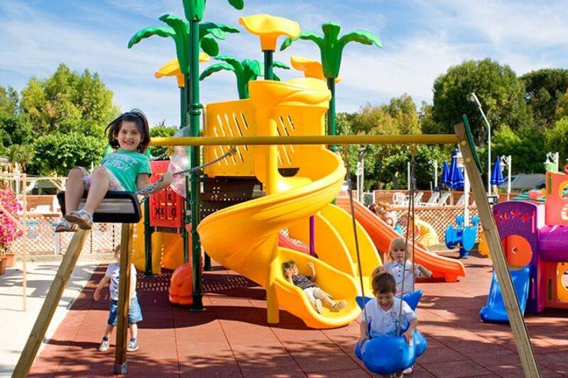 Campingplatz mit Kinderspielplatz