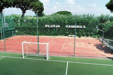 Camping-Playa-Cambrils-Don-Camilo----Sportplatz-auf-dem-Campingplatz-mit-Basketball-und-Fussball