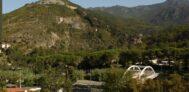 Übersicht vom Campingplatz in den Bergen