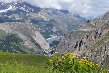 Col-de-l'Iseran-der-höchste-befahrbare-Pass-der-Alpen