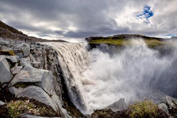 Die Kraft vom Wasserfall Dettifoss
