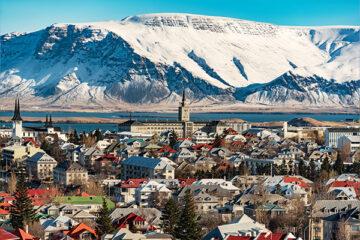 Panoramablick auf Reykjavik im Winter, Island