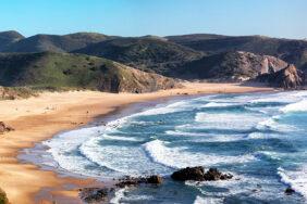 Die wilde Atlantikküste von Portugal: Roadtrip von Faro nach Porto