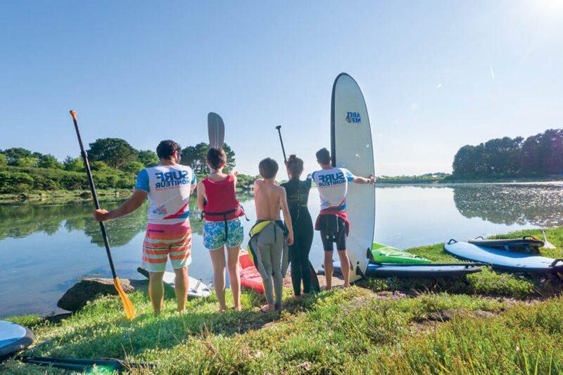 Surfen mit professionellen Betreuern auf dem Campingplatz