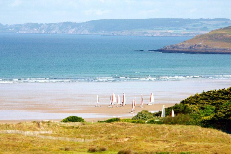 Windsurfen am Strand vom Campingplatz