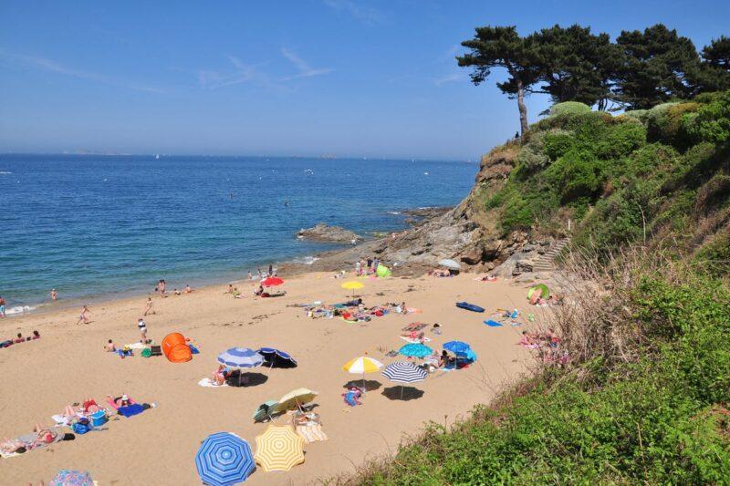 Camper am Strand vom Campingplatz am Atlantik