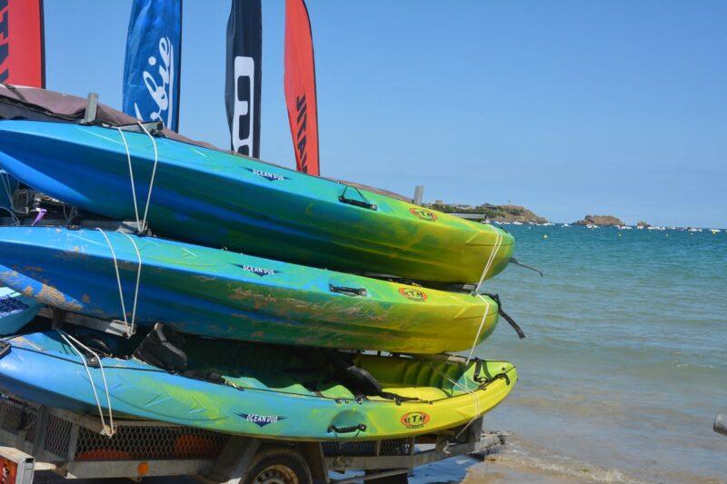 Wassersport am Strand vom Campingplatz am Atlantik
