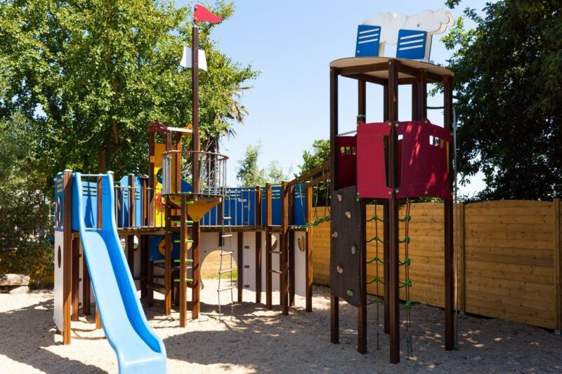Spielplatz vom Campingplatz im Grünen